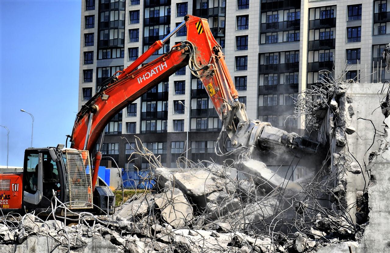Снос частного дома: строительство и компенсация, как получить разрешение на снос и признание дома аварийным